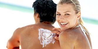 SOLKREM: Husk å smøre deg hyppig med solkrem i sommer.