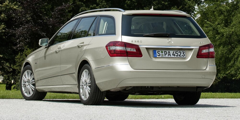 POPULÆR IMPORTBIL: Mercedes E-klasse. Foto: Daimler AG