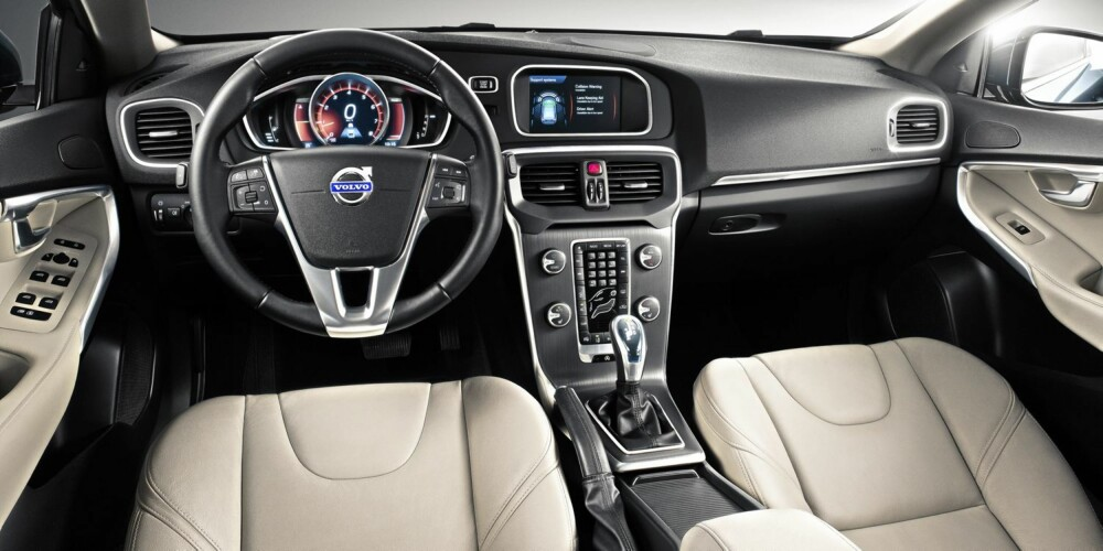 TYPISK VOLVO: Interiøret har tydelige Volvo-gener. Foto: Volvo