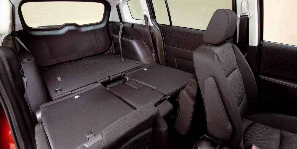 MANGE MULIGER: Blant fordelene med flerbruksbilen er oseaner av plass. Men svært fleksible seteløsninger er det aller viktigste. Foto: Mazda