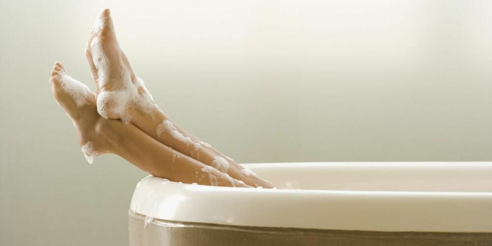 ET AVSLAPPENDE BAD: Ta deg et avslappende Epsom salt-bad et par ganger i uka. Det er deg vel unt!