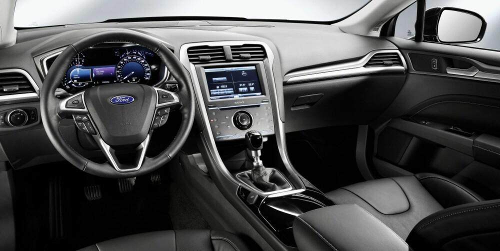 PREMIUM: Ford sier at nye Mondeo skal være en såkalt premiumbil, altså at interiørkvaliteten skal kunne konkurrere med for eksempel Audi, BMW og Mercedes.