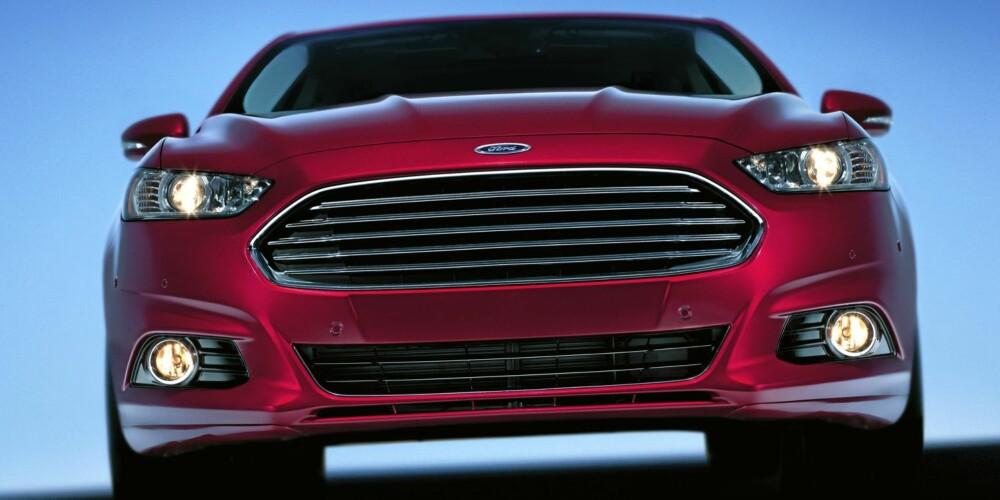 NYTT FJES: Fords grill vil se omtrent slik ut i i framtida. FOTO: Ford