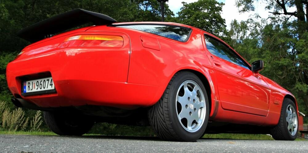 SE DEN ENDEN: Porsche 928 ser kanskje best ut bakfra. FOTO: Egil Nordlien, HM Foto