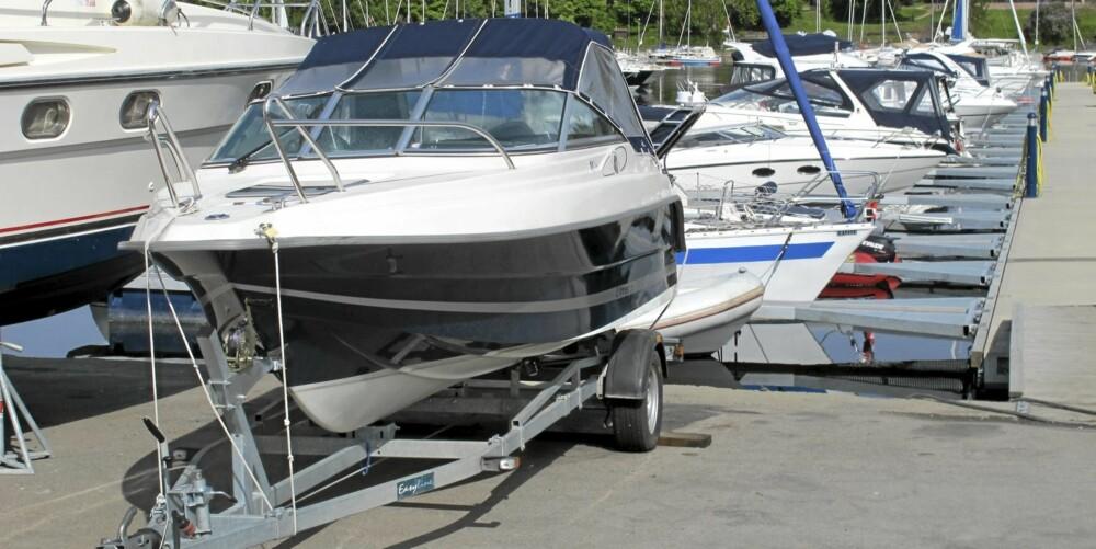 KLAR: Slik bør ikke båten din bli stående lenge uten tilsyn. Fort gjort å ta med seg hele stasen. FOTO: Geir Svardal