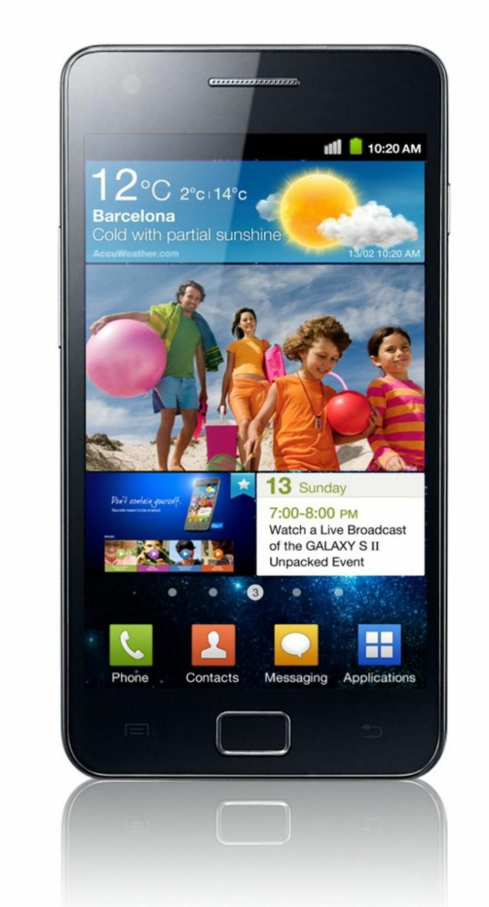 HOLDER KOKEN: Samsung Galaxy S II er godt over ett år gammel, men fortsatt en aktuell mobil. Etter at arvtageren kom har den også sunket i pris.