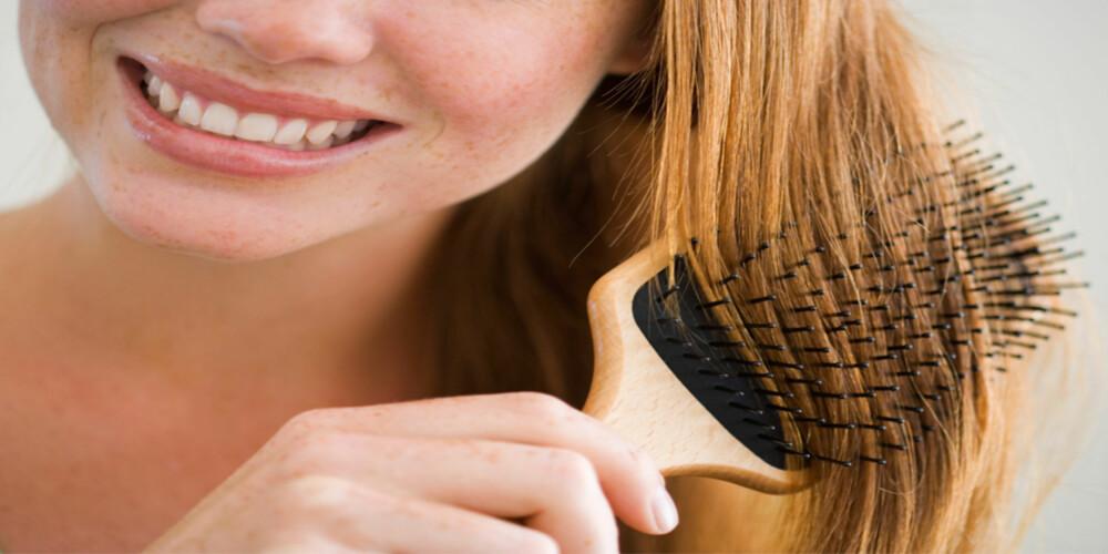 VÆR VARSOM: Glem det gamle rådet om 100 børstetak om dagen. For mye børsting kan ødelegge ellers sunt hår.