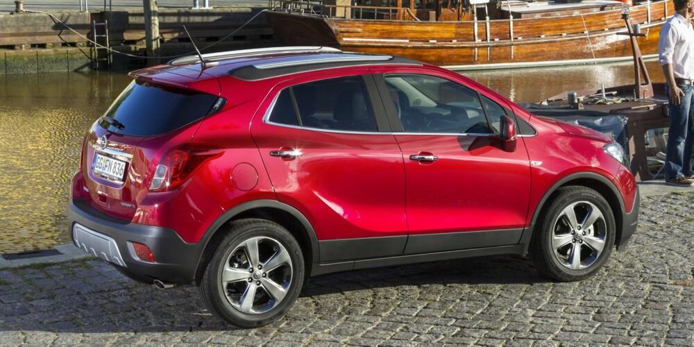 BY-SUV: Dieselmotoren på 1,7 liter med turbo ligger an til å bli storselgeren. Med 4x4. FOTO: Opel