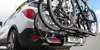 FLEX-IT: Opels integrerte sykkelstiv er genialt. Vips, så står tre sykler trygt.