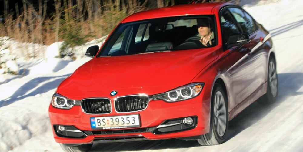 UTKONKURRERT: BMW 320d er ingen dårlig bil, men bensinbroderen 320i er bedre. Farvel, traktor. FOTO: Egil Nordlien ,HM Foto