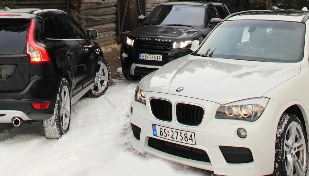 TREKLØVER: Range Rover Evoque, Volvo XC60 og BMX X1 i sitt rette element - på fjellet.