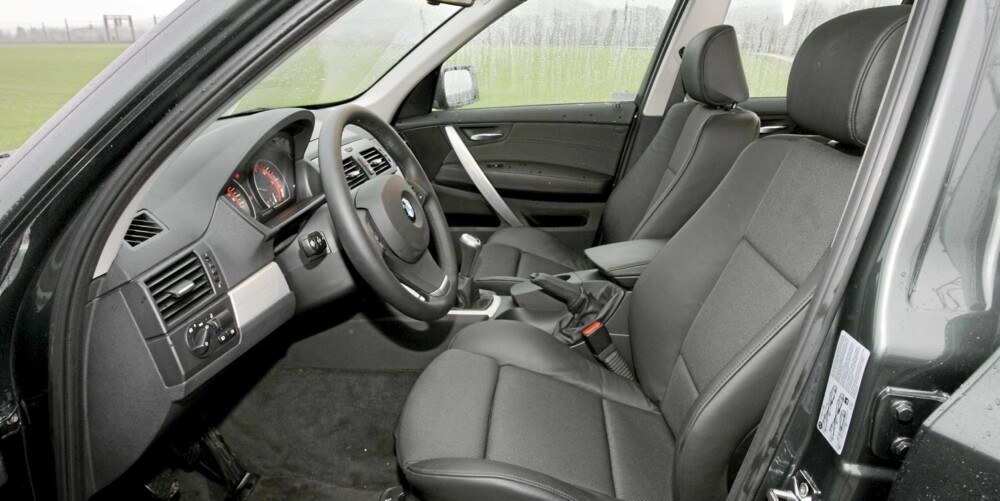 SPORTSSETER: Prøv gjerne flere varianter før du kjøper en brukt BMW X3. Mange forelsker seg eksempelvis i sportssetene. FOTO: Terje Bjørnsen