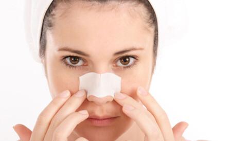 hvordan fjerne svarte prikker på nesen