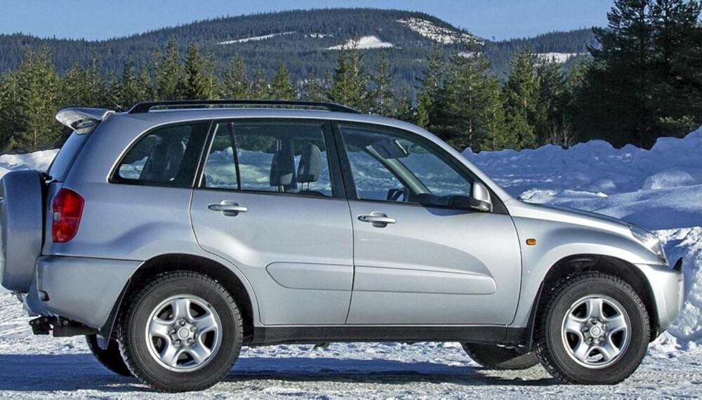 TOYOTA RAV4: En slik 2002-modell gir fortsatt mye vinterbil for pengene.