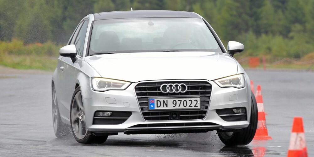 FOR MYE TRAFIKANTER: Ved en kollisjon vil panseret på Audi A3 løfte seg for å minske skadeomfaget på myke trafikanter. Dekktrykksensorer er også standard. FOTO: Petter Handeland