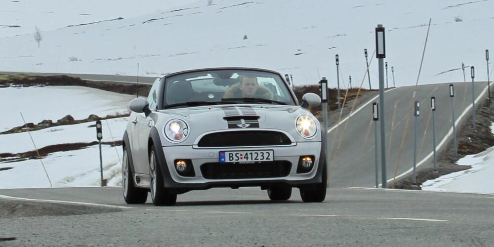 HELÅRSMORO: MIni Roadster - minimalt med praktiske egenskaper, men veldig morsom. FOTO: Terje Bjørnsen