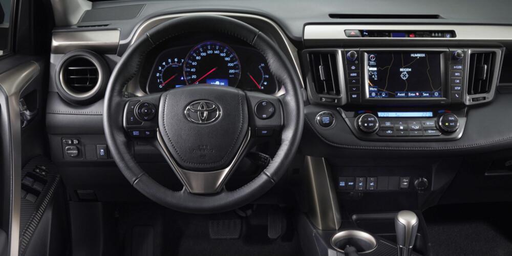 LØFTET: Førermiljøet er helt nytt. FOTO: Toyota