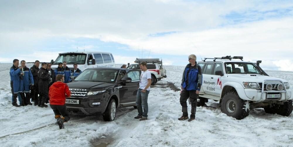 SNØDEKT: Selv midt på sommeren ble vi overrasket av snø på de islandske veiene.