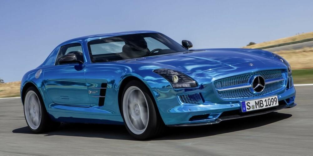 ELBIL: Det er ventet at Electric Drive-versjonen av SLS AMG kommer senere i år. Kanskje dét er bilen du skal vente på. FOTO: Daimler AG
