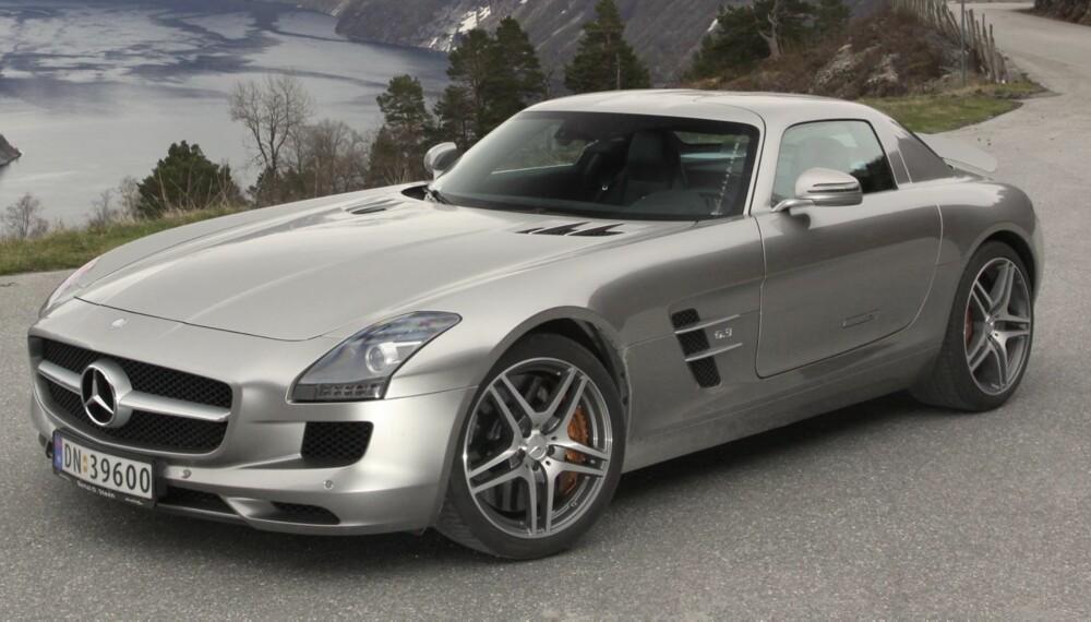BEDRE OPPFØLGER: Mercedes SLS AMG med 571 hestekrefter har vi testet i Norge. Men nå er det kommer en enda bedre GT-versjon med 591 hk. FOTO: HM Arkiv