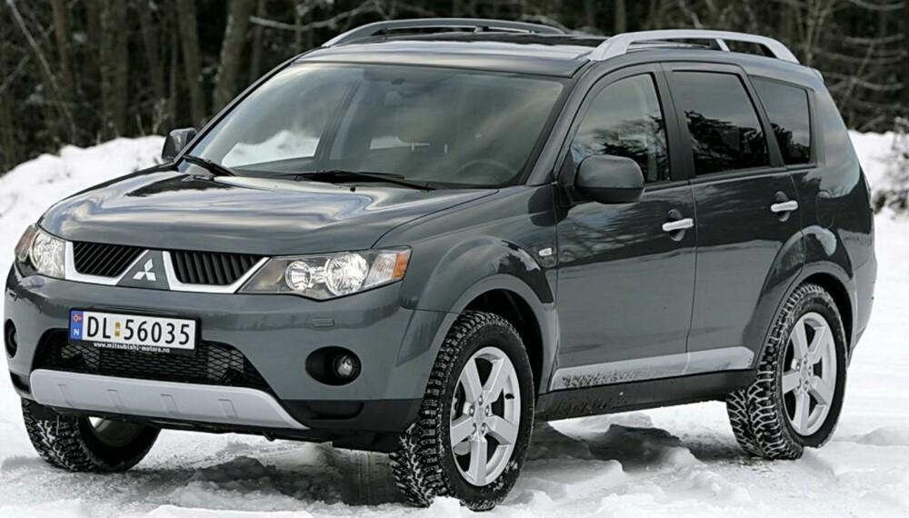 STOR OG BRA: Lanseringen av ny Mitsubishi kan gjøre forgjengerne prismessig gunstigere. 2007-modellen av Mitsubishi Outlander scorer jevnt over svært godt i kvalitetsundersøkelsene. FOTO: Egil Nordlien, HM Foto
