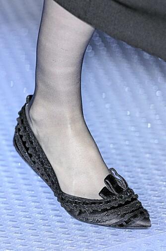 MEN SÅNN: Velg gjerne disse skoene fra Giorgio Armani (eller en rimeligere kopi).