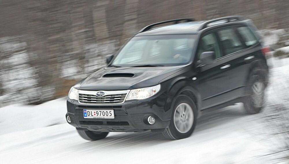 FIREHJULSTREKK: Er du opptatt av best mulig firehjulstrekk, peker Subaru Forester seg ut som en klar kandidat i brukt-markedet. FOTO: Egil Nordlien, HM Foto