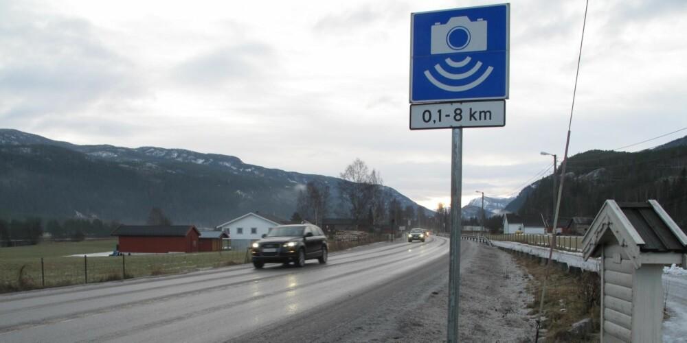 SNITTMÅLING: Flere veistrekninger er blitt utstyrt med såkalt streknings-ATK som måler snittfarten mellom to punkter, som her på Riksvei 7 mellom Nesbyen og Bromma. FOTO: Martin Jansen