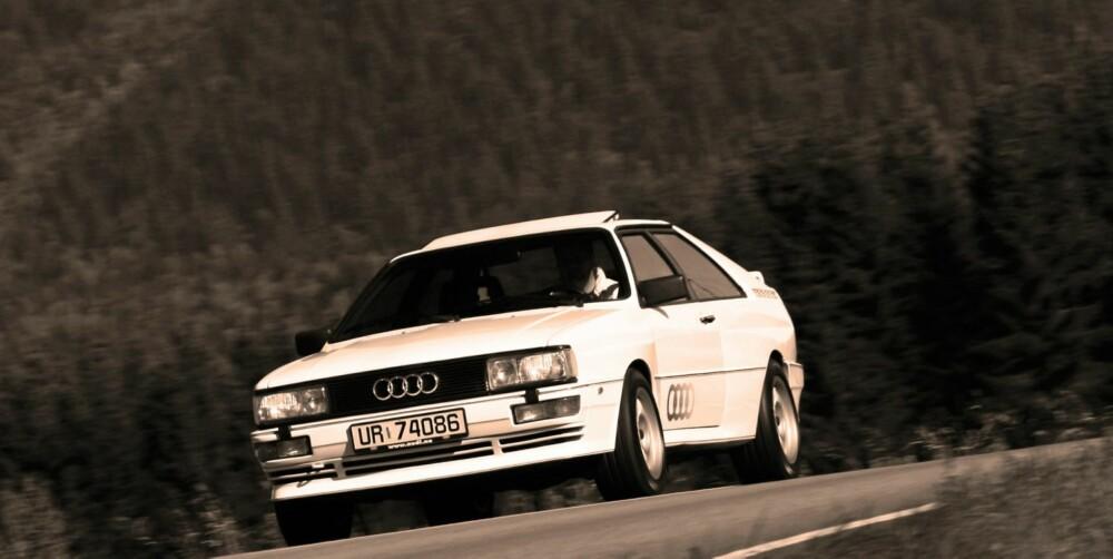 """MINT CONDITION: Importør Harald A. Møller AS eier denne 1986-modellen. Per Henning Torgersen er mannen som brakte denne """"""""mint condition"""""""". Legg merke til bokstavene på registreringsskiltet."""