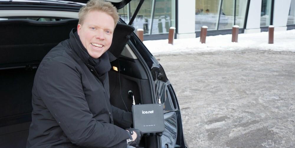 BILPAKKE: Administrerende direktør Eivind Helgaker i Ice.net satser på at tiden er inne for bredbånd i bil, også for det brede lag av befolkningen. FOTO: Geir Svardal
