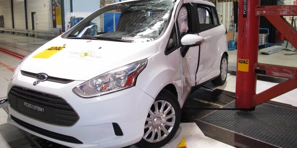 UTEN B-STOLPE: I stedet har skyvedørene i Ford B-Max integrert sidebeskyttelse.