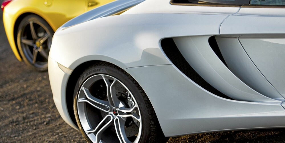 UTSEENDET SKILLER: De to bilene har en forskjellig tilnærming til design. Ferrarien er nærmest som en organisme som har utviklet seg, mens MP4-12C er tegnet med funksjon i bakhodet.