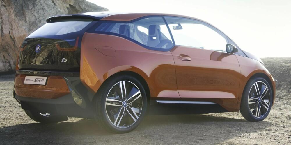 NORMALE DØRER: BMW i3 er en tredørsmodell med mer coupé-sving over linjene, men med samme drivverk. Merk at i3 i denne utgaven har fått «normale» dører i stedet for glassdører. FOTO: Steffen Jahn