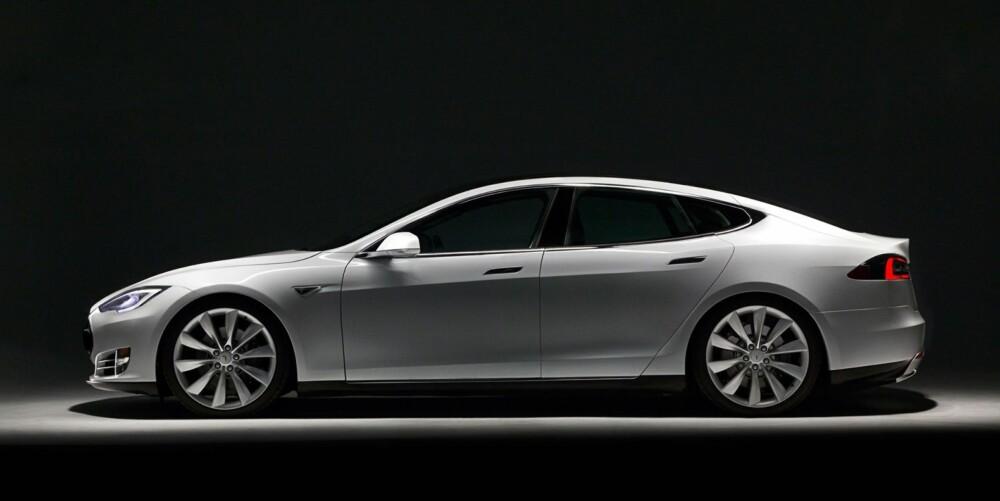 20 000: Nylig uttalte Tesla-boss Elon Musk at han tror de vil kunne produsere 20 000 elbiler i år. FOTO: James Lipman