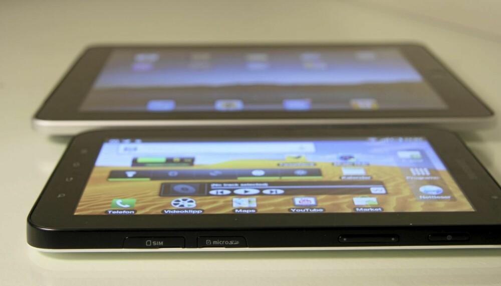 FORSKJELL: 2,7 tommer gjør stor forskjell. Galaxy Tab er omtrent halvparten så stor som iPad.