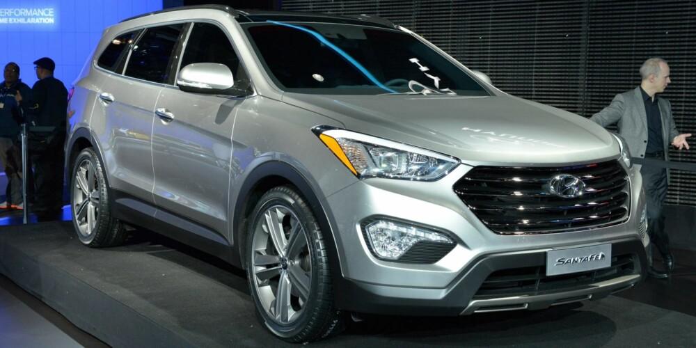 STOR: Hyundai Grand Santa Fe på bilutstillingen i New York i fjor. FOTO: Newspress