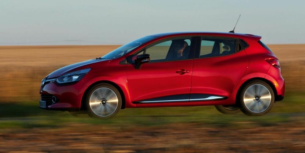 STILIG: Vi liker formen på den nye Renault Clio. I tillegg har den fine detaljer i karosseriutformingen, noe som skaper liv i linjene.