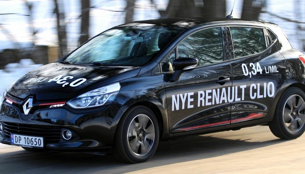 OVERBEVISER: Skal du ha en rimelig bil som ikke kjennes slik ut, ta en nærmere titt på nye Renault Clio. FOTO: Egil Nordlien HM Foto