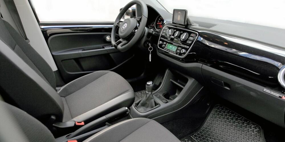 GOD KVALITET: I god Volkswagen-ånd er interiøret ryddig, oversiktlig og med god opplevd kvalitet.