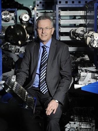 MANNEN BAK: Derek Crabb, visedirektør i Powertrain Engineering i Volvo Car Group, lover klasseledende ytelser og forbruk. FOTO: Roger Lundsten/BLR