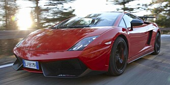 DJEVELSK: En solfylt, øde, italiensk landevei og en Lamborghini Gallardo LP570-4 Super Trofeo Stradale: Det høres ut som paradis. Og det er det. Helt til man treffer is i 110 km/t.