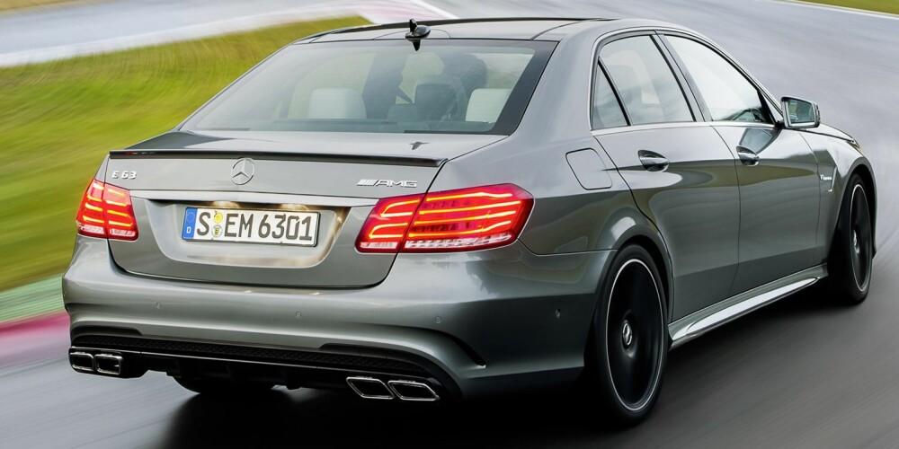 MONSTER I FAMILIEN: Vanlige E63 AMG - i den grad den kan karakteriseres som vanlig - har 557 hk. S-versjonen har 585 hk. Til sammenligning har BMW M5 560 hk.
