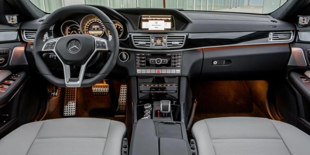 ILLEVARSLENDE: Her er det bare å holde seg fast. FOTO: Daimler AG