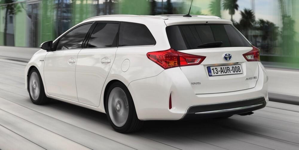 HYBRID: Auris-stasjonsvognen Touring Sports kommer i august. FOTO: Toyota