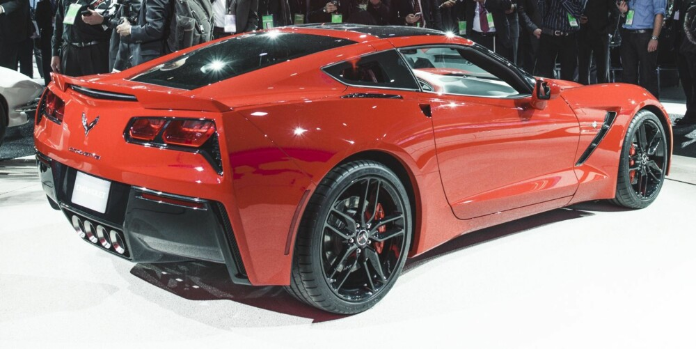 MUSKELBIL: Nye Chevrolet Corvette C7 Stingray på bilutstillingen i Detrot. FOTO: GM