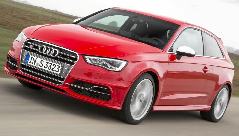 MER MUSKLER: Tolitersturboen i Audi S3 har fått mer muskler ¿ mens den gamle hadde 265 hk og 350 Nm, yter den nye utgaven hele 300 hk og 380 Nm. FOTO: Audi