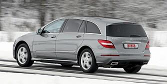 FORSVINNER SOM VAREBIL: Mercedes R-klasse er blant de store Mercedes-ene som det ikke lenger blir mulig å få registrert med grønne skliter etter 29. april. FOTO: Egil Nordlien, HM Foto