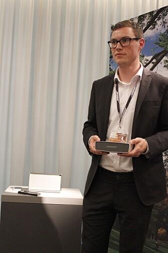 LAVPRIS: Det er ikke mange produkter hos Bose som koster under 2000 kroner. Bose Soundlink Mini får en pris på 1669 kroner og kommer i salg i løpet av sommeren. Truls Justesen i Bose hevder ingen av konkurrentene kan levere like mye og like god lyd i en så kompakt innpakning som Soundlink Mini.