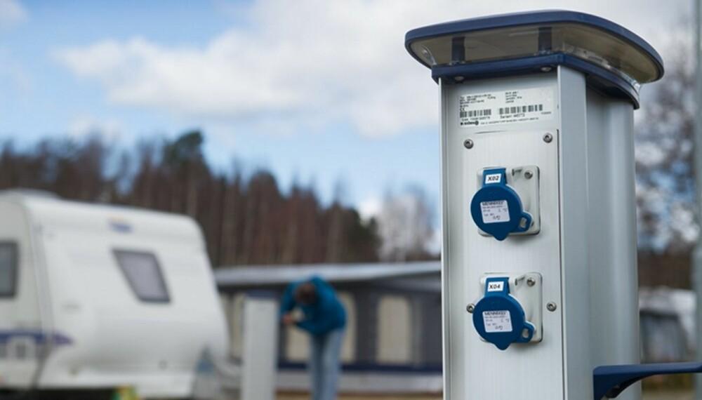 FLEKSIBEL: Den nye strømsøylen Alfa-II gir stor fleksibilitet og kan brukes i alle marina- og campingmiljøer.