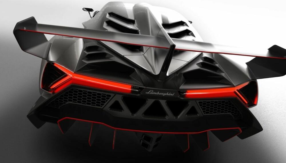 KILLER: Veneno tar den spisse designen til Aventador til nye og skremmende høyder. FOTO: Produsent